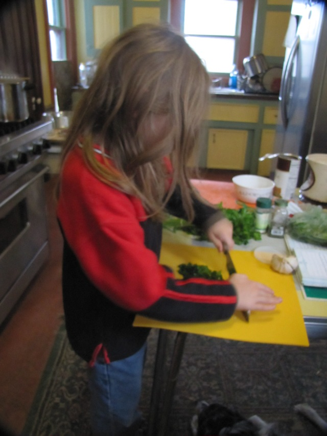 Vash chopping parsley