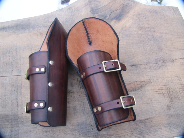 Vambraces buckles