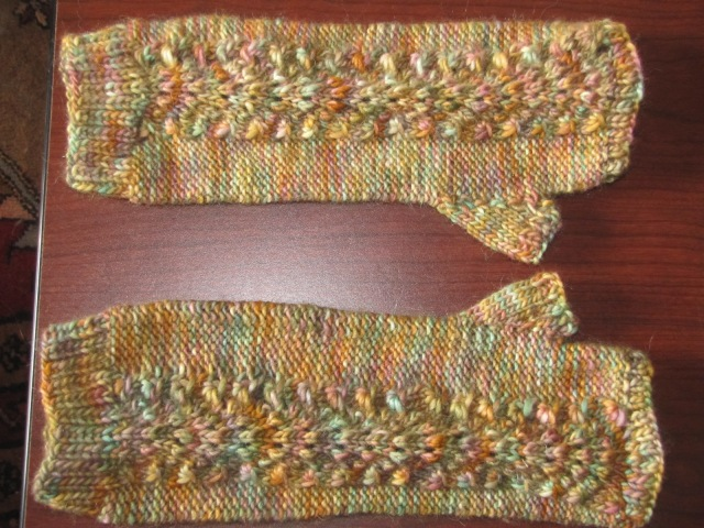 front horizontal view of armwarmers