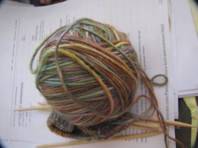 The yarn for the armwarmers