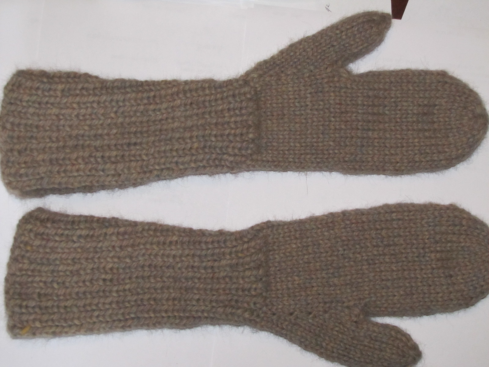 Bella Gloves Knitting Pattern : Monday Project Report   Bella Mittens & Toothless Hat A Polish Granddau...