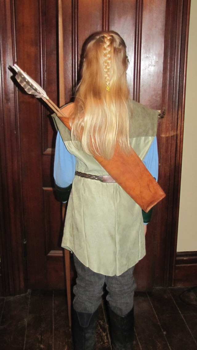 Back view of Legolas with his quiver